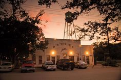 Best Dance Hall in Texas-Best Places in the South #TexasHillCountry