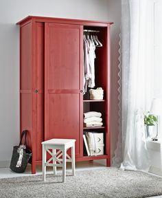 hemnes kleiderschrank mit 2 schiebet ren rot ikea hallen pinterest hemnes. Black Bedroom Furniture Sets. Home Design Ideas