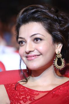 Kajal Agrawal hot Images and Photos of all time. South industry leading Actress Kajal Agrawal movies are so popular. She is a beautiful and leading Actress Beautiful Red Dresses, Beautiful Girl Indian, Most Beautiful Indian Actress, South Actress, South Indian Actress, Beautiful Bollywood Actress, Beautiful Actresses, Kiss Without Makeup, Kajal Agarwal Saree