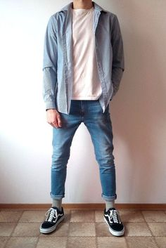 Vans old skool skinny jeans boys guys outfit Stylish Mens Outfits, Casual Outfits, Men Casual, Skinny Jeans Jungs, Jeans Skinny, Vans Old Skool, Vans Outfit Men, Mode Outfits, Fashion Outfits