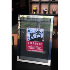 Frame Shiny Stainless X089047 - Teamwork Capture your favourite moment in this beautil frame.