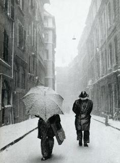Photo by the talented American photographer, Robert Frank. http://en.wikipedia.org/wiki/Robert_Frank
