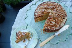 apple sourdough coffee cake