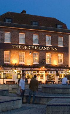 Portsmouth, England.. British Pub, Great British, Portsmouth England, Uk Pub, Island Inn, Holy Roman Empire, Pub Signs, Pub Bar, Hampshire