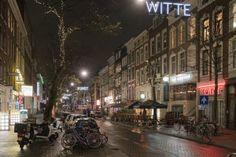 Kneipenstraße Witte de Withstraat in Rotterdam bei Nacht