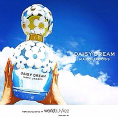 Marc Jacobs latest perfume Daisy Dreams. Love the bottle his beat design yet.