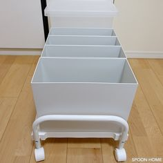 ニトリの押入れ収納キャリーのブログ画像 School Furniture, Home Organization Hacks, Muji, Storage Boxes, My Room, Kids And Parenting, Ikea, House Design, Interior