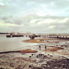 Low tide #woodlands #waterfront #singapore #sunset #sky #clouds #cloud #jetty #johor #strait #jb #malaysia #causeway #lowtide #beach #coast #coastline #singapore #sg #guosheng #guoshengz #iphone4s