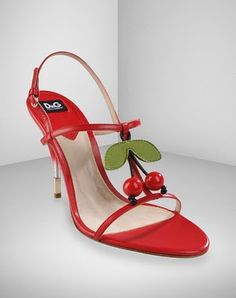 I know they would hurt my feet, but I'm fairly certain I need these!