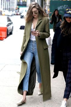 Gigi Hadid Candids - Lilly is Love Gigi Hadid Outfits, Gigi Hadid Style, Gigi Hadid Fashion, Look Fashion, Winter Fashion, Fashion Outfits, Fashionable Outfits, Fashion Boots, Winter Dresses