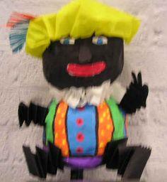 Zwarte Piet van papier mache