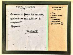 Cliquez-ici pour découvrir comment faire un tableau pense-bête déco facile, rapide et pas cher pour remplacer le bloc note qu'on ne retrouve jamais où l'ardoise de tableau blanc qu'on n'arrive plus à effacer. On le fixe au mur dans une cuisine, ou sur un bureau. En plus c'est écolo puisqu'on n'utilise plus de papier et c'est réutilisable à volonté. Thinking About You, Whiteboard, Fabric Scraps, Slate