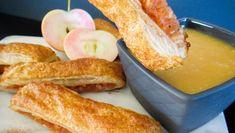 Sprø eplepinner med lun karamelldipp Diy Food, French Toast, Food And Drink, Peach, Sweets, Apple, Baking, Fruit, Breakfast