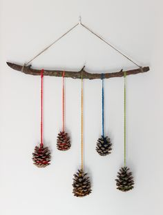 DIY: Pinecone hanging wall decoration - Growing Spaces