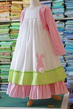 Olabelhe: Here Comes Peter Cotton Tail. Frocks For Girls, Kids Frocks, Little Dresses, Little Girl Dresses, Cute Dresses, Toddler Dress, Baby Dress, Little Girl Fashion, Kids Fashion