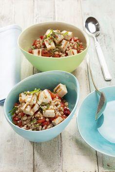 Insalata di farro e pesce spada alla griglia: l'accoppiata perfetta per un piatto freddo estivo facile da preparare, perfetto a cena come in pausa pranzo.