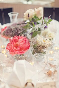 Centerpieces small bowl with one big flower