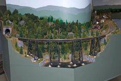 "Railroad Line Forums - The Gallery: Early June 2010 ""Bridges & Trestles"" San Dimas, Ho Scale Trains, Railroad Photography, Model Train Layouts, Model Building, How To Level Ground, Model Trains, Rivers, Bridges"