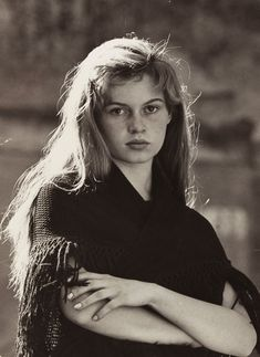 :: This photo of the young Brigitte Bardot shows how very beautiful she was, long before she ever adopted the kohl-rimmed eyes look ::
