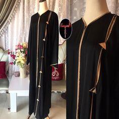 #Repost @umjaser22 with @instatoolsapp 20 ريال #subhanabayas #fashionblog #lifestyleblog #beautyblog #dubaiblogger #blogger #fashion #shoot #fashiondesigner #mydubai #dubaifashion #dubaidesigner #dresses #capes #uae #dubai #abudhabi #sharjah #ksa #kuwait #bahrain #oman #instafashion #dxb #abaya #abayas #abayablogger #абая Dubai Fashion, Abaya Fashion, Modest Fashion, Arabic Dress, Black Abaya, Abaya Dubai, Abaya Designs, Hijab Outfit, Kaftan