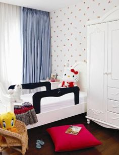 Hello Kitty Room - comel kan dgn black accent