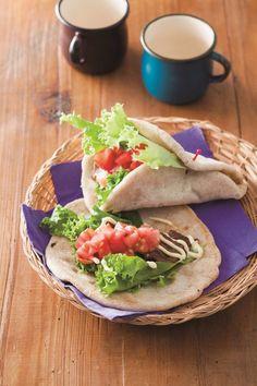 """オーブンいらず!""""作りおき""""で、毎日焼きたてパン生活。冷蔵庫発酵で超簡単、最新パン作りメソッドを伝授します。   主婦の友社 会社情報 Bread Recipes, Cooking Recipes, Tacos, Baking, Ethnic Recipes, Food, Chef Recipes, Bakken, Essen"""