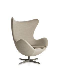 Arne Jacobsen Egg Chair In Light Gray Fabric