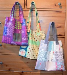 A 2016 FAL Tutorial: Simply Tote Bag with French Seams or Lined                                                                                                                                                                                 More