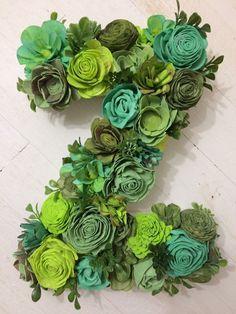 sola wood flowers, green decor, farm house, letter Z Rolled Paper Flowers, Paper Flowers Diy, Flower Crafts, Fabric Flowers, Flower Diy, Flower Ideas, Sola Wood Flowers, Metal Flowers, Faux Flowers