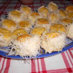 Borzas sajtos pogácsa Recept képpel - Mindmegette.hu - Receptek Hungarian Recipes, Winter Food, Nom Nom, Goodies, Dairy, Eggs, Bread, Cheese, Cooking