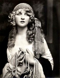 1920's Era Gypsy Style Black and White by VintageousClassic