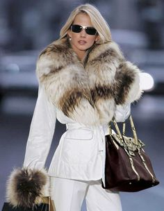 white mink and fox fur | Yes it's REAL | Pinterest | Sexy Snow