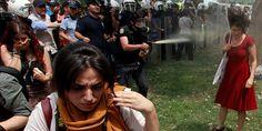 La rivolta turca contro l'abbattimento del parco Gezi è diventata un evento mediatico di notevole interesse a livello globale, gli hashtags #occupygezi e #gezipark sono ben presto diventati trendtopics su Twitter, le terribili immagini degli scontri hanno cominciato a fluire sui social network a un ritmo incessante