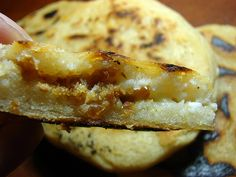 Pork and Cheese Pupusas. I love papusas. My mom, who grew up in Mexico, used to take me to the Mission in the city a lot. And I would always eat a cheese papusa and one or two or three pandulces. Pork Recipes, Gourmet Recipes, Mexican Food Recipes, Cooking Recipes, Salvadoran Food, Recetas Salvadorenas, Good Food, Yummy Food, Comida Latina
