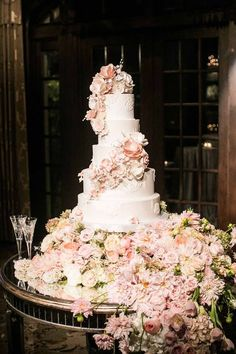Featured Photographer: Samuel Lippke Studios; wedding cake idea