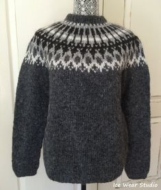 Icelandic Wool Sweater - Hand Knitted With Icelandic Wool Always wanted to discover how to knit, nevertheless not sure where to begin? This specific Total Beginner Knitting Line . Icelandic Sweaters, Wool Sweaters, Black Sweaters, Sweater Knitting Patterns, Knitting Designs, Fair Isle Knitting, Hand Knitting, Beginner Knitting, Crochet Wool