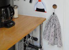 Pimp My Small Kitchen: 10 Cheap, Renter-Friendly Improvements
