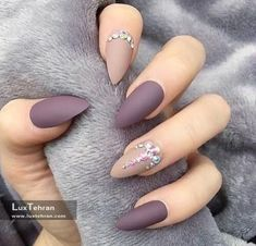 nails, beauty, and matte image # Photo of Nailart matt Manicure Tips.- nails, beauty, and matte image # Photo of Nailart matt Manicure Tips. discovered by Eva Gombos Hair And Nails, My Nails, Best Nails, Best Nail Art, Grow Nails, Purple Nail Art, Matte Purple Nails, Matte Gel Nails, Acrylic Nails Almond Matte