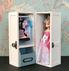 【連載】100均材料でリカちゃん人形も収納できるクローゼットの作り方♬ | folk Hello Kitty Bathroom, Fun Crafts, Diy And Crafts, Homemade Dolls, Doll Wardrobe, Barbie Toys, Child Doll, Soft Dolls, Diy Dollhouse