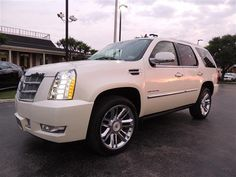 2013 Cadillac Escalade Platinum 2WD 4dr Platinum Edition SUV 4 Doors White Diamond Tricoat for sale in Houston, TX http://www.usedcarsgroup.com/used-2013-cadillac-escalade-houston-tx-1gys3def2dr138526