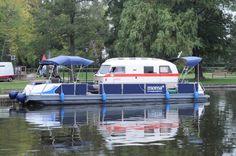 Ein historisches SuLeiCa-Orion Wohnmobil auf dem Wechsel-Watercamper von www.mueritzboot.de