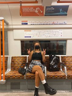 London Overground, Travel Fashion, Photo And Video, Fitness, Instagram