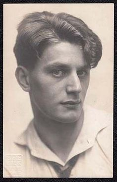 A dashing young Anton Walbrook (Adolf Wohlbrück) in his twenties. Awesome!