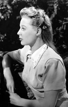 This post started as merely an appreciation of the great dress that June Allyson wore in the Varsity Drag number from Good News Hollywood Star, Old Hollywood Glamour, Golden Age Of Hollywood, Vintage Hollywood, Classic Hollywood, June Allyson, Classic Actresses, Hollywood Actresses, Actors & Actresses