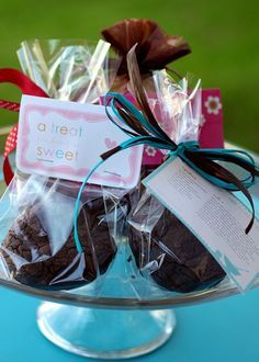 Packaging Your Baked Goods -  One of the main reasons I bake is to share it with others. I love to give baked goods as gifts, and find they are almost always very well received. I bake for holidays, birthdays, special days at school, special events and for no reason at all.