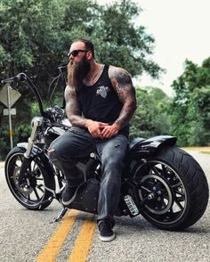 Beard and Bike - the perfect match Hairy Men, Bearded Men, Sexy Tattooed Men, Harley Davidson, Epic Beard, Badass Beard, Hipster Man, Hipster Beards, Beefy Men