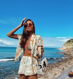The summer-approved outfits style girls are making us crave while on Holiday break. As seen worn by Danielle Bernstein and more. Mexico Beach Outfits, Beach Outfits Women Vacation, Cute Beach Outfits, Boho Outfits, Summer Outfits, Fashion Outfits, Vacation Wear, Casual Beach Outfit, Coast Fashion