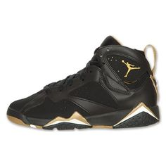 Air Jordan 7 Retro Kid's Black/Metallic Gold-Sail ❤ liked on Polyvore featuring shoes, jordans e sneakers
