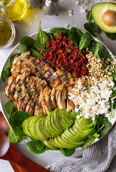 Grilled Chicken Sun Dried Tomato and Avocado Spinach Salad - Cooking Classy - Salad Recipes Grilled Chicken Salad, Spinach Stuffed Chicken, Avocado Chicken, Avocado Spinach Salad, Keto Avocado, Spinach Salad Recipes, Crab Salad, Quinoa Salad, Sundried Tomato Chicken
