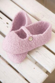 DSA46-09 Tova tøffel   Du Store Alpakka Boot Socks, Slippers, Store, Boots, Kids, Fashion, Shearling Boots, Children, Moda